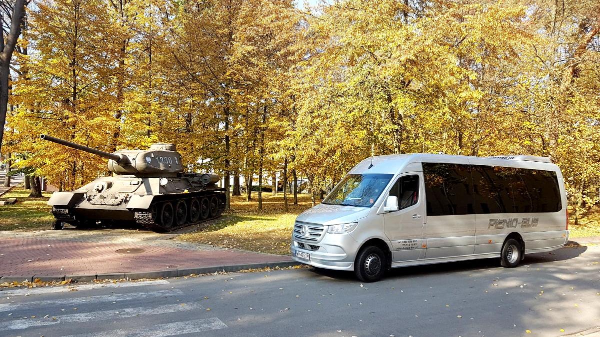 nowy z czołgiem